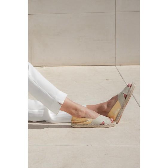 ZEUS Sandalia cruzada lino piel Gold