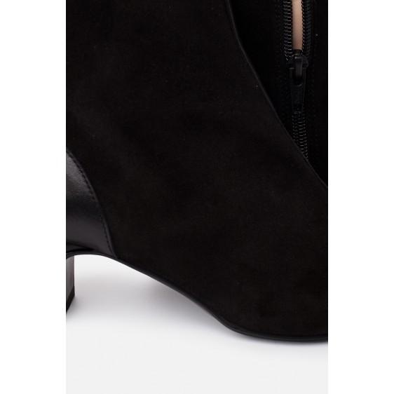 Mirelle Noir